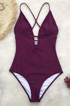A must-have addition for your swim collection! Our Charming Plum One-Piece Swimsuit is the perfect. Bikini Rose, Bikini Floral, Bikini Bleu, Haut Bikini, Cute Swimsuits, Women Swimsuits, Monokini, Bh Push Up, Summer Outfits