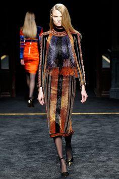 Balmain Fall 2015 Ready-to-Wear Collection Photos - Vogue Couture Mode, Style Couture, Couture Fashion, Runway Fashion, Street Fashion, Daily Fashion, Fashion Show, Fashion Design, Fashion Week Paris