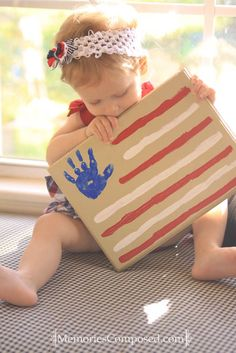 of July handprint crafts for toddlers. Tips for getting a good handprint with little ones. of July Handprint craft for toddlers. Tips for a good handprint with the little ones. Patriotic Crafts, July Crafts, Crafts To Do, Holiday Crafts, Crafts For Kids, Easy Crafts For Toddlers, Summer Activities For Toddlers, Summer Crafts For Toddlers, Patriotic Party