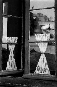 Sergio Larrain :: Window, Valparaiso, Chile, 1963  / more [+] by this photographer