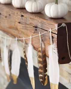 Happy Halloween #decor #design #interior #interieur #maison #industrial #industriel #halloween #white #feathers #diy #pinterest #blogger #frenchblogger #rustic #vintage #eclectic #boho #bohemian #bohemien via Pinterest Simple Styling