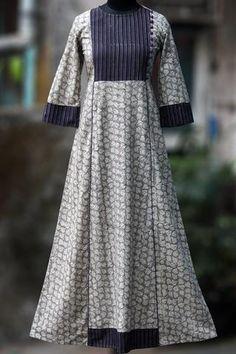 a-line dress - silver oak & plum dew Simple Kurti Designs, Salwar Designs, Kurta Designs Women, Kurti Designs Party Wear, Dress Neck Designs, Blouse Designs, Batik Fashion, Women's Fashion, Kurta Neck Design