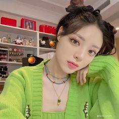 Kpop Girl Groups, Kpop Girls, Korean Girl, Asian Girl, Foto Mirror, Reality Shows, Jeonju, Mode Kpop, Ulzzang Girl
