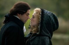 Dominic Cooper e Keira Knightley in un'immagine del film La duchessa