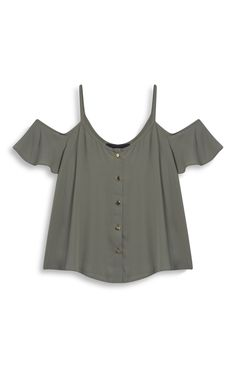it ti a bare shourder top shoulder soft texture womas is and this in fashion Summer Outfits, Casual Outfits, Fashion Outfits, Creation Couture, Cute Shirts, Cute Tops, Diy Clothes, Casual Looks, Fashion Clothes