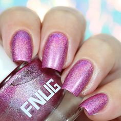 "Ana✨Nail Art-Tutorial-Swatches en Instagram: ""✨Magic holographic, I love it! Fnuglista 100 @fnug_official first apply Aqua fix base coat fnug special for holographic polish✨ Two coats without top coat #fnug #blackqueennailsdesignswatches"""