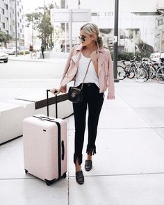 Airport Style on point...   @emily_luciano  #chiclyapp #getchiclystyled  www.chiclyapp.com