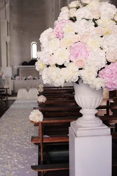 Decoration for wedding ceremony in white and pale pink http://www.weddingsontheamalficoast.com/ravello-wedding-jackie-constantin-sinagra.html