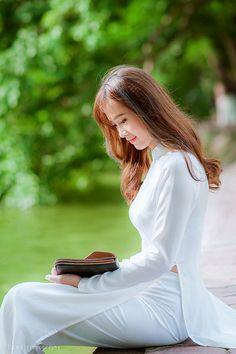 29043419012_48cd7a6b8a_k | Áo Dài Lung Thị Linh | Flickr