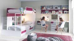 Decorar una zona de estudio de un dormitorio juvenil. Literas de la colección Ringo de Kibuc con escritorio doble para dos hermanas.