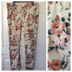 Winter floral skinnies ❄️ Beautiful floral skinny pants! These are marked as an 11 but they for more like a true 12 (or 13). Washed once, never worn. Like new!!! Fire Los Angeles Jeans Skinny