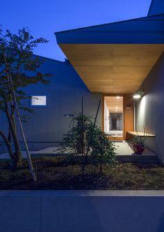 八島建築設計事務所 Yashima architect and associates   葉山一色の家 / Hyama-Isshiki house