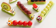 20 Easy After-School Snacks Your Kids Will Go Wild Over - Eartha - Gesunde Snacks Healthy Snacks For Kids, Healthy Treats, Easy Snacks, Baby Food Recipes, Gourmet Recipes, Celery Recipes, Snack Recipes, Healthy Recipes, Kreative Snacks
