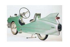 """あら、カッコいい! プジョーやビアンキ、BMWなど、自動車メーカーブランドの素敵な自転車はたくさんありますが、こちらは一目でキャデラックと分かる自転車。グラスファイバーで作られたのだそう。 キャデラックが作ったわけではないので、""""キャデラック風""""自転車です。1998年にデザイナーのRobert Eggerさんが手がけた..."""