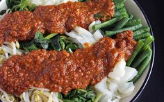 Pecel: Indonesian Vegetables in Peanut Sauce [Vegan, Gluten-Free] | One Green Planet