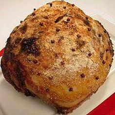 Vanhanajan joulukinkku kuorrutetaan perinteisesti sinapilla ja korppujauhoilla. Banana Bread, Muffin, Breakfast, Desserts, Food, Morning Coffee, Tailgate Desserts, Deserts, Essen