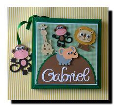 Livro do bebe personalizado safari verde menino scrapbook