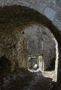 Burg Ruine Ehrenberg im Allgäu bei Reutte