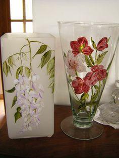 lampe et vase  peints à main levée cuit au four par mes soins