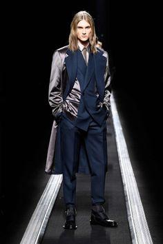 The World's Fashion Business News Fashion Wear, Boy Fashion, Winter Fashion, Mens Fashion, Fashion Outfits, Fashion Design, Grad Suits, Christian Dior Homme, Mens Fall