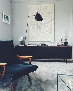 "@hannasroom på Instagram: ""Art hunting? @belenius_nordenhake  #rood #roodsideboard #hannawessmandesign #louiseliljencrantzdesign"""