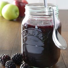 This Blackberry and Apple Jam is the perfect accompaniment to toast, scones or sponge cakes. Make a batch, fill some Kilner jars and stock up for the season. A Kilner jar of Blackberry and Apple Jam will also make a great gift. Rhubarb Vanilla Jam, Blackberry And Apple Jam, Home Canning, Canning 101, Fruit Crumble, Kilner Jars, Plum Jam, Types Of Bread, Jam And Jelly