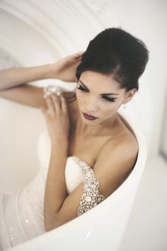 oh so chic bridal style, dress by Inbal Dror