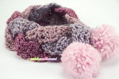 Trucchetto per fare velocemente una sciarpa all'uncinetto per bambini Finger Crochet, C2c Crochet, Crochet Bebe, Crochet Patterns, Sewing Stitches, Textiles, Cowl Scarf, My Little Girl, New Years Eve Party