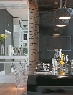 Casa Cor São Paulo 2012: Sala de almoço, por Sabrine Santos, arquiteta e designer de interiores. A simetria dá o tom neste espaço onde nada fica 1 milímetro sequer fora do lugar.