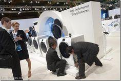 Samsung acusa a LG de sabotearle dos lavadoras durante la feria tecnológica IFA - http://www.leanoticias.com/2014/09/16/samsung-acusa-a-lg-de-sabotearle-dos-lavadoras-durante-la-feria-tecnologica-ifa/