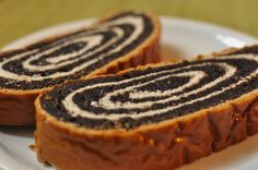 If you're looking to make beigli (bread roll) or rétes (strudel) that includes a sweet filling, this recipe makes a moist poppy seed paste. Just be sure to use freshly ground poppy seeds as they'll. Austrian Recipes, Serbian Recipes, Hungarian Recipes, Poppy Seed Filling, Slovenian Food, Swiss Recipes, Taco, Bons Plans, International Recipes