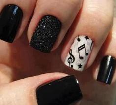 Musical nail art <3