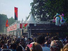 @lollapaloozade Es war ein feines Festival - wenn auch ab und zu etwas zu voll und sehr sehr staubig  #ballon #berlin #festival #friends #goodtimes #instadaily #Instagram #live #lollapalooza #music #musik #qualitytime #unicorn #unterwegs