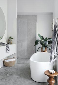 Coastal Bathrooms, Large Bathrooms, Small Bathroom, Modern White Bathroom, Bathrooms Decor, White Bathrooms, Beach Bathrooms, Ensuite Bathrooms, Modern Bathrooms
