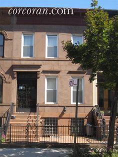 671 St Johns Place