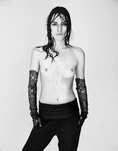 ✖ Keira Knightley par le photographe français Patrick Demarchelier pour le magazine Interview (Crédit Image : Interview)