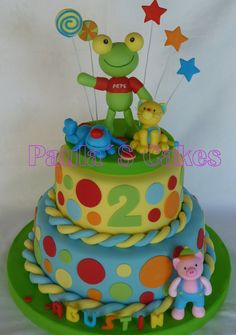 TORTA DEL SAPO PEPE Hippie Birthday, Frog Cakes, Holidays And Events, Cupcakes, Minions, Birthday Cake, Candy, Chocolate, Desserts