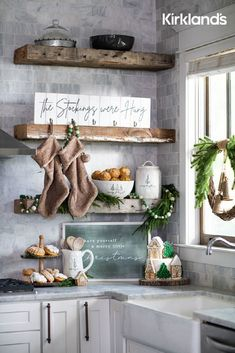 Christmas kitchen decor ideas! 😍 Tap the image to shop Christmas decor for your kitchen. 🎄 Farmhouse Christmas Decor, Christmas Kitchen, Rustic Christmas, Christmas Home, Merry Christmas, Christmas Snacks, Christmas Ideas, Xmas, Rose Gold Christmas Decorations