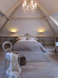 bedroom bed and breakfast Drenthe Attic Master Bedroom, Attic Bedrooms, Bedroom Bed, Bedroom Decor, Hotel Room Design, Attic Spaces, Gray Interior, Bed And Breakfast, Home Deco