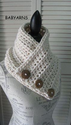 BOSTON écharpe Cowl Wrap bouton crème écharpe capot Crochet tricot Outwear…