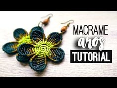 The picture called Aros flor redonda Macrame Colar, Macrame Owl, Macrame Knots, Macrame Jewelry, Macrame Bracelets, Macrame Earrings Tutorial, Earring Tutorial, Diy Earrings, Flower Earrings