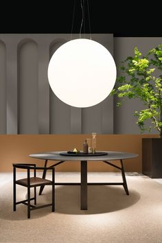 Controvento, the new table made by solid wood