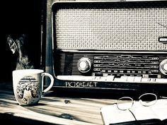 MR.MAGPIE Urges you to tune into Shoreditch Radio at 12pm tomorrow to listen to an EXCLUSIVE interview with Chief Editor Mary-Anne! Come delve into the world of MR.MAGPIE! #shoreditchradio #lifestyle #culture #mrmagpie #mrmagpiemagazine #vintage #radio #thursday