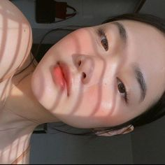 ulzzang girl girls woman women aesthetic korean japanese chinese beauty pretty beautiful lifestyle ethereal beauty girls east asian minimalistic grunge soft pastel light cute adorable 울짱 여자 r o s i e Makeup Korean Style, Korean Natural Makeup, Korean Eye Makeup, Natural Makeup Looks, Korean Beauty, Korean Makeup Products, Korean Makeup Ulzzang, Beauty Products, Makeup Inspo
