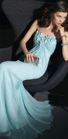 Aire Barcelona.via @Areti78. #gowns #pretty