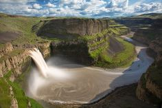handa: no description, palouse falls, waterfall, washington, by stephen oachs uploaded by skip Wish I Was There, Columbia River Gorge, Wildlife Photography, Aerial Photography, Go Green, Washington State, Places To Go, Sunrise, In This Moment