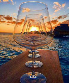 Wine time {} Inspiração { e desejo } para o primeiro Happy Hour do ano  #sextamelhordia #happyhour #winetime #tgif Regram @line39wine