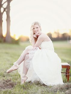 I will have a future wedding pic like this! I love how she is wearing her ballet shoes