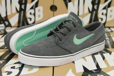 Nike SB Zoom Stefan Janoski Size 6 DARK GREY MEDIUM MINT TEAL 333824 030 #NikeSB #FashionSneakers