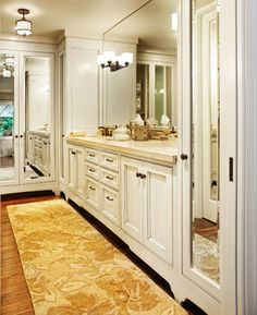 A gorgeous bathroom in glazed maple. Check out the art deco feet! Art Deco Bathroom, Master Bathroom, Bathroom Ideas, Mirror Closet Doors, Mirror Door, Transitional Bathroom, Door Design, Master Suite, Sweet Home
